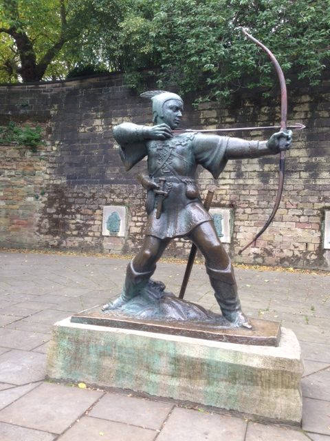 image showing Statue of Robin Hood – not modelled on Kevin Costner!